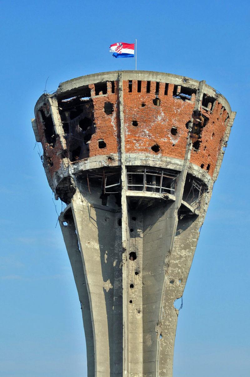 800px-vukovar-watertower-after-war
